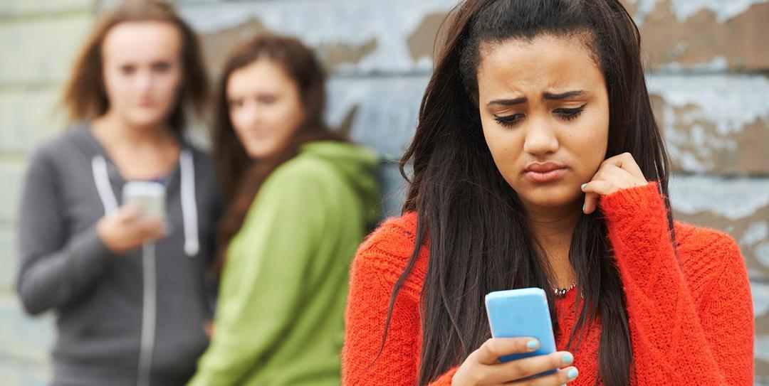 Cyberbullying: confira como proteger o seu filho dessa ameaça