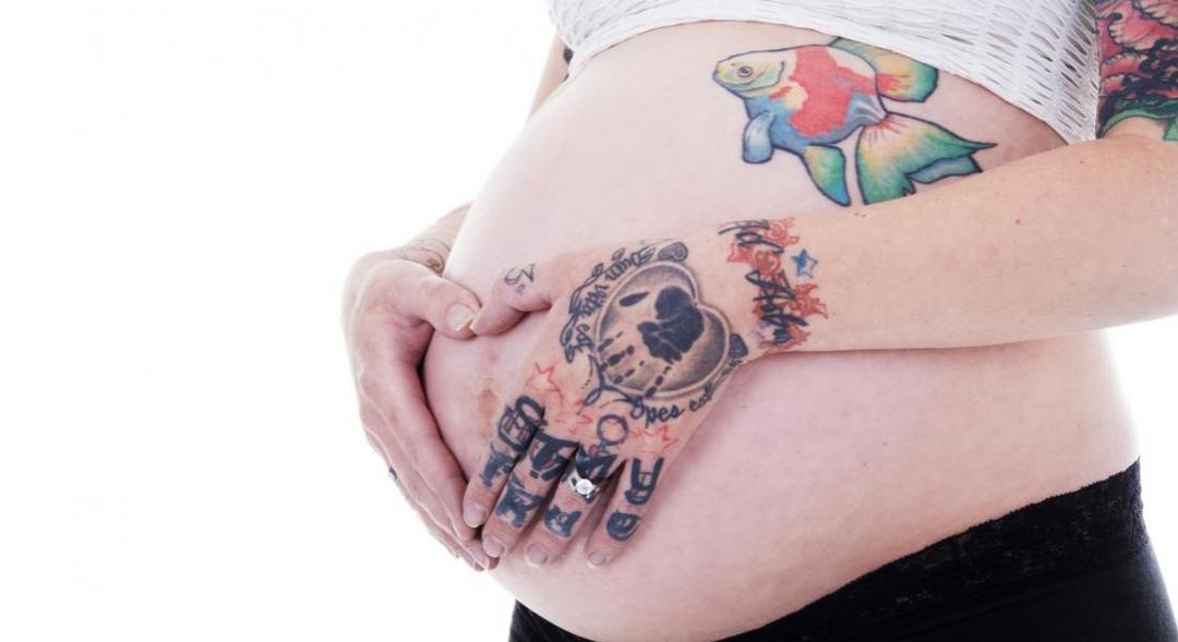 Tatuagem na gravidez: permitido ou contraindicado?