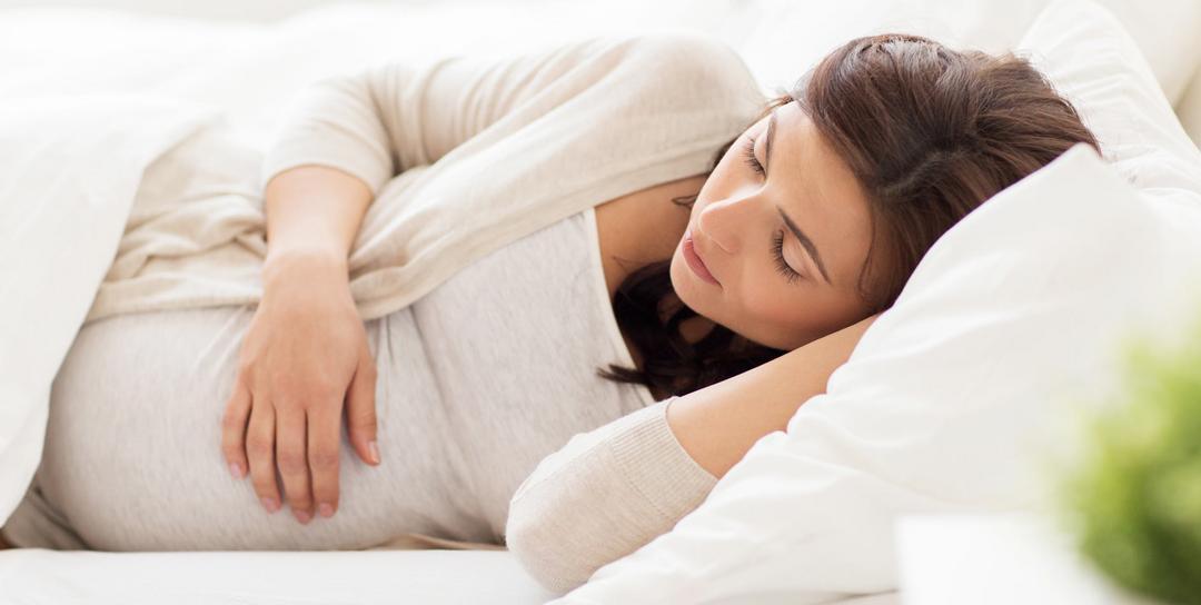Qual a melhor posição para grávida dormir?
