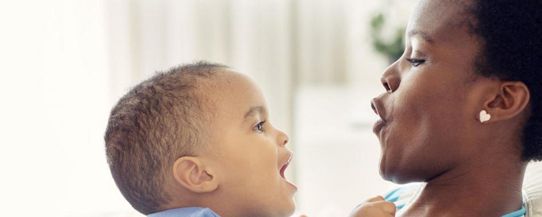 Como identificar um atraso na fala dos filhos?