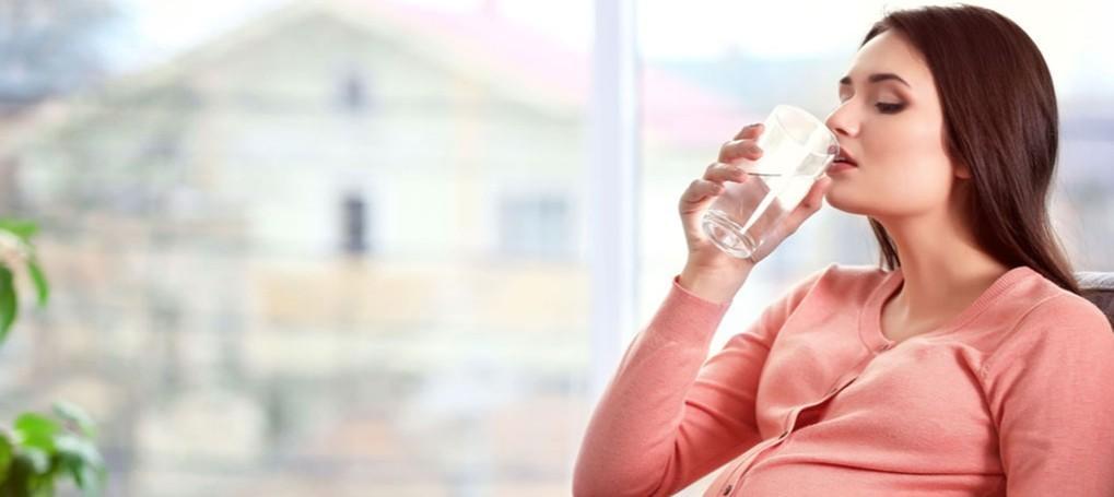 A importância da hidratação durante a gravidez