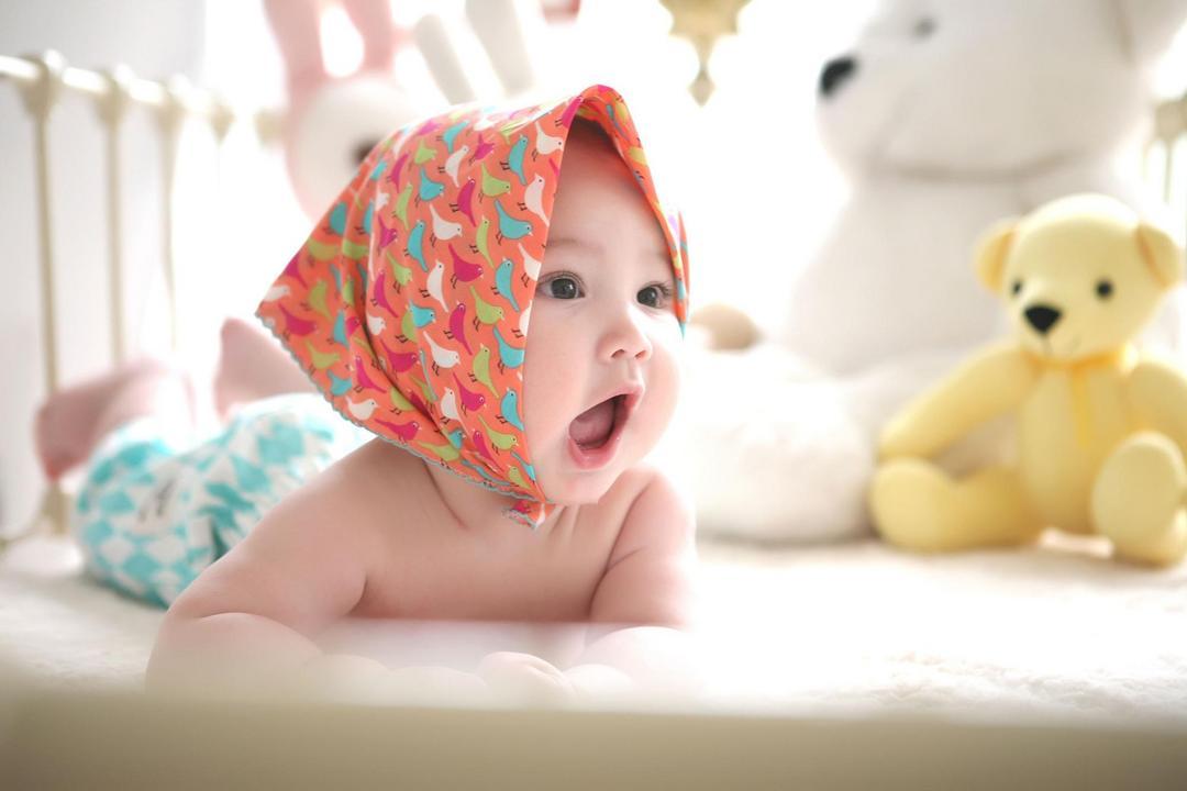 O que fazer com um bebê que morde todo mundo?