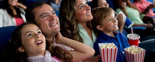 Qual a idade certa para levar os filhos ao cinema?