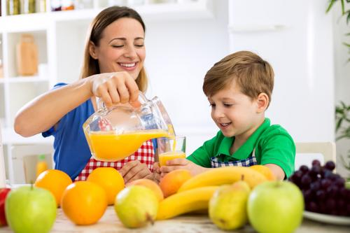 7 dicas para fazer seu filho comer mais frutas e verduras