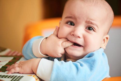 Como se preparar para o nascimento dos dentinhos do bebê
