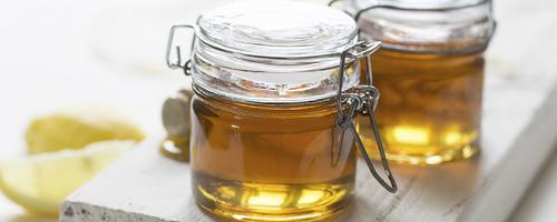 Por que bebês não devem ingerir mel?