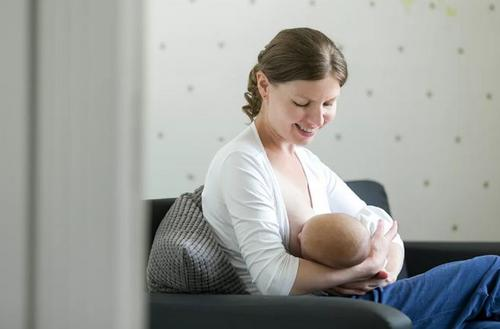 Aleitamento materno: conheça aqui experiências reais de amamentação